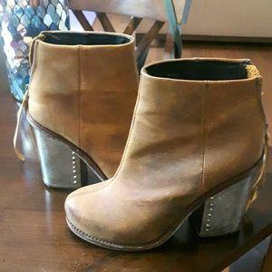 Leather metallic heel boots!